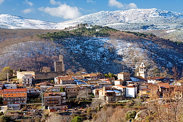 Overview of Sierra de Francia in winter, with a small town, San Martin del Castanar, in close-up, Salamanca province, Biosphere Reserve of Sierra de Bejar and Francia