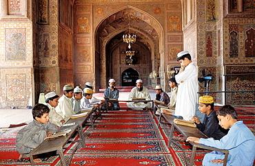 Pakistan, Punjab, Lahore, Wazir Khan mosque, Koranic school