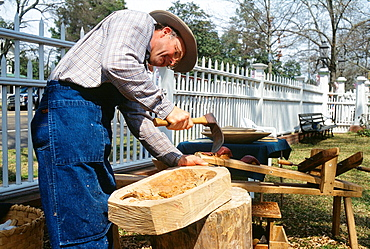 Woodworker, Port Gibson, Mississippi, USA