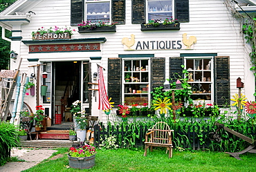 Antique shop exterior in the small town of Waitsfield, Vermont, New England, USA