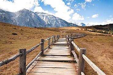Yulong Xue Shan Mountain range, also known as Jade Dragon Snow Mountain, from Yak Meadow, Lijiang, Yunnan Province, China