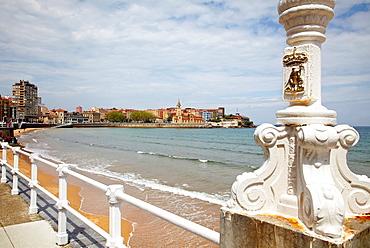 Playa San Lorenzo, Gijon Asturias Spain.