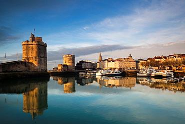 France, Poitou-Charentes Region, Charente-Maritime Department, La Rochelle, Old Port, Tour St-Nicholas and Tour de la Chaine towers, morning