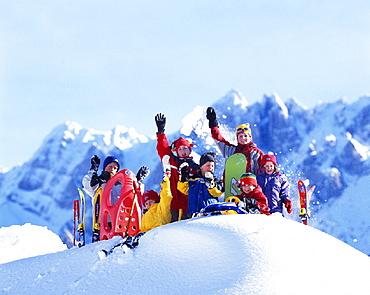 adventure, Alps, chat, child, children, enjoy, fun, group, holidays, joke, laugh, mountains, portrait, ski, sledge, . adventure, Alps, chat, child, children, enjoy, fun, group, holidays, joke, laugh, mountains, portrait, ski, sledge,
