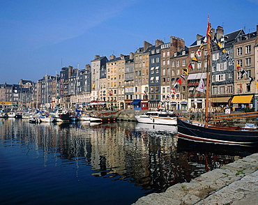 harbor, harbor, Honfleur, Normandy, Calvados, France, Europe, EU, European, travel, holiday, vacation, French, town, y. harbor, harbor, Honfleur, Normandy, Calvados, France, Europe, EU, European, travel, holiday, vacation, French, town, y