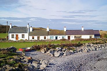 row, white, seaside, cottages, cottage, Moelfre, Anglesey, Wales, UK, United Kingdom, United, Kingdom, Great Britain, . row, white, seaside, cottages, cottage, Moelfre, Anglesey, Wales, UK, United Kingdom, United, Kingdom, Great Britain,