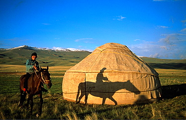 Kyrgyz Republic, horse rider, riding, yurt, Moldo Too Range, Song_Kul, Asia, Jurte, Kyrgyzstan, Kirgizia, Kirghizia, l. Kyrgyz Republic, horse rider, riding, yurt, Moldo Too Range, Song_Kul, Asia, Jurte, Kyrgyzstan, Kirgizia, Kirghizia, l
