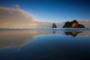 New Zealand, Wharariki Beach, South island, Geology, Sea, Reflections, Water, Clouds, Beach, Rock island, Islands, Ero. New Zealand, Wharariki Beach, South island, Geology, Sea, Reflections, Water, Clouds, Beach, Rock island, Islands, Ero