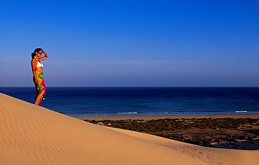 Fuerteventura, Canaries, Canary islands, island, Spain, Europe, outside, daytime, woman, people, Sotavento, sand dune, . Fuerteventura, Canaries, Canary islands, island, Spain, Europe, outside, daytime, woman, people, Sotavento, sand dune,