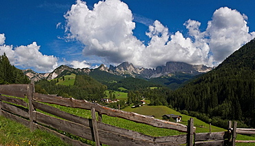 Italy, Europe, St. Cyprian, town, Tiers, South Tyrol, South Tirol, Alto Adige, fence, meadow, Rosengarten, Dolomites, . Italy, Europe, St. Cyprian, town, Tiers, South Tyrol, South Tirol, Alto Adige, fence, meadow, Rosengarten, Dolomites,