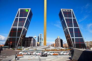 Plaza de Castilla, Calatrava Obelisc and Puerta de Europa buildings, Madrid, Spain