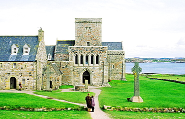 Iona Abbey, Inner Hebrides, Scotland Abbey and high cross on early Celtic Christian island of Iona founded by Saint Columba