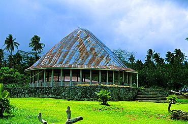 Traditional samoan fale Fale tele, where the elders gather for discussion
