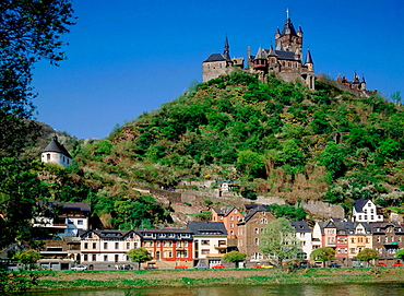 Germany, Cochem, Moselle, Rhineland-Palatinate, city view, Reichsburg castle, Moselle promenade, civil houses