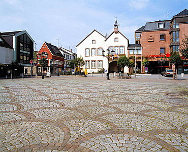 Germany, Wadern, Prims, Loester, Wadrill, Schwarzwaelder Hochwald, nature reserve Saar-Hunsrueck, Saarland, market place with town hall and residential buildings, paving stones, cobblestones, ornaments