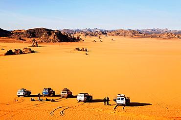Four wheel drive safari in the Akakus Mountains, Libya