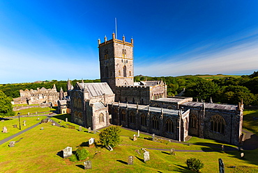 St Davids Cathedral with ruin of bishop's palace, St David's, Pembrokeshire, Wales, UK, Europe