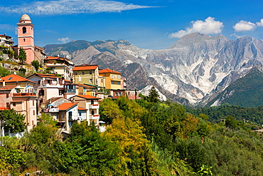 The village of Fontia belongs to the municipality of Carrara with Apennine Mountains over Carrara in the background, Province of Massa-Carrara, Toscana, Italy, Europe