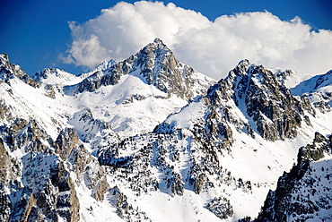 Pic de Peguera and, in the foreground, the Feixans de Monestero peak as seen from the Amitges mountain hut, Pallars Sobira, Pyrenees Mountains, Aigüestortes and Estany de Sant Maurici National Park, Lleida province, Catalonia, Spain