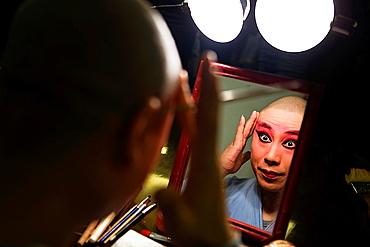 Actor of Pekin Opera making up Laoshe Teahouse Nº3 Qianmen Avenue West, Beijing, China