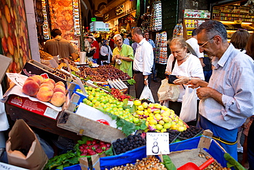 spice and fruit market, istanbul