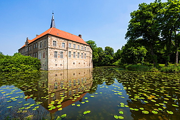 The picturesque moated castle Luedinghausen, Luedinghausen, North Rhine-Westphalia, Germany, Europe
