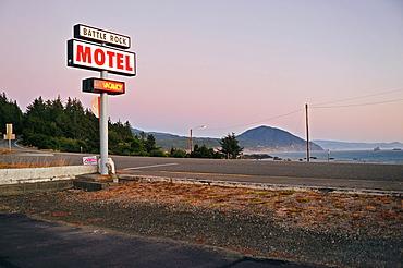 Battle Rock Motel, Port Orford, Oregon, USA
