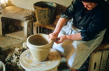 `Cantareraa¥potter making a pot,Mota del Cuervo,Cuenca province,Castilla La Mancha,the route of Don Quixote, Spain