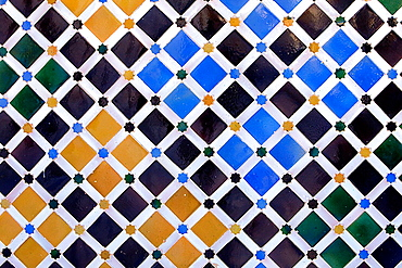 Detail of tiles in`Patio de los Arrayanes¥, Courtyard of the Myrtles, Comares Palace, Nazaries palaces, Alhambra, Granada, Andalusia, Spain