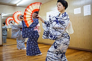 Geishas and ¥maikos¥ geisha apprentice in dance class  Geisha schoolKaburenjo of Miyagawacho Kyoto Kansai, Japan