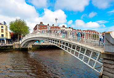Ha¥penny Bridge over the Liffey river, Dublin, Republic of Ireland