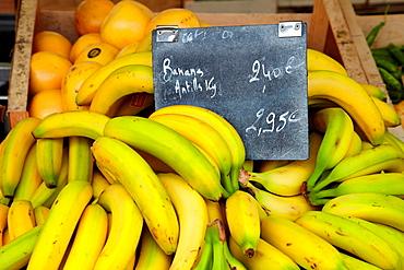 Bananas, Food Market, Hendaye, Aquitaine, Pyrenees Atlantiques, France.