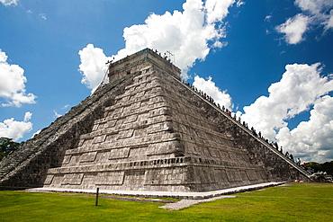 The Kukulkan Pyramid at Archeological site Chichen Itza, Yucatan Peninsula, Mexico
