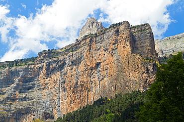 El Gallinero spur in Ordesa Valley, declarated World Heritage by UNESCO, and belonging to Ordesa y Monte Perdido National Park Pyrenees Torla Huesca province Aragon Spain