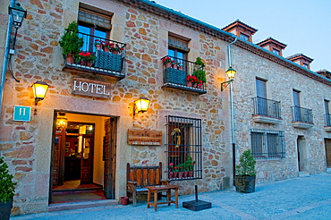 La Posada de Don Mariano Hotel, night view. Mayor Street, Pedraza, Segovia province, Castilla Leon, Spain.