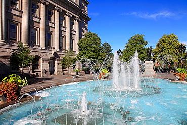 Canada, Quebec, Montreal, Place Vauquelin, fountain,