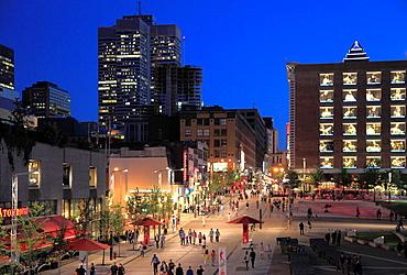 Canada, Quebec, Montreal, rue Ste-Catherine, pedestrian zone, people,