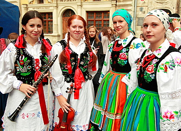 Ukraine, Lviv, young women in traditional dress,