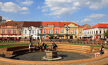 Romania, Timisoara, Piata Unirii, fountain, people,