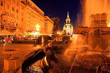 Romania, Timisoara, Piata Victoriei, fountain, cathedral,
