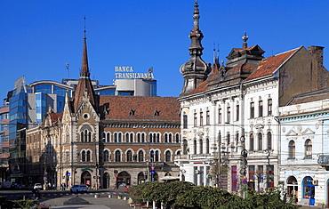 Romania, Cluj-Napoca, Piata Mihai Viteazul, street scene,