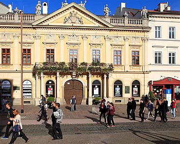 Slovakia, Kosice, Visitors Centre, street scene, people,