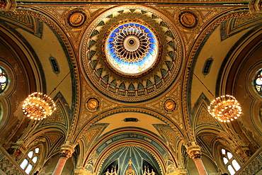 Hungary, Szeged, New Synagogue, interior,