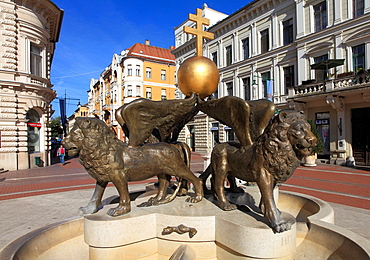 Hungary, Szeged, Klauzal Square, Well of Kings,