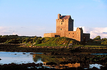 Dunguaire Castle, Kinvarra, Co, Galway, Ireland.