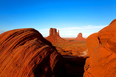 West Mitten, East Mitten, Merrick Butte, Monument Valley Tribal Park, Navajo Nation, Arizona/Utah, USA
