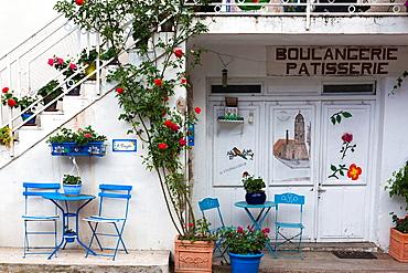 France, Corsica, Haute-Corse Department, Fiumorbo Region, Prunelli di Fiumorbo, courtyard detail