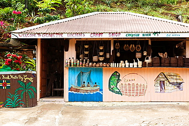 Dominica, Salybia, craft shop
