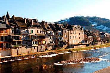 Saint-Geniez-d¥Olt, Lot river, Aveyron, Midi-Pyrenees region, southern France