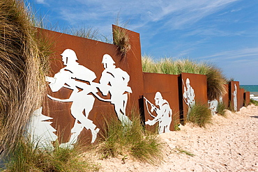 France, Normandy Region, Calvados Department, D-Day Beaches Area, Courseulles Sur Mer, Juno Beach site of WW2 D-Day invasion, mural of Canadian soldiers